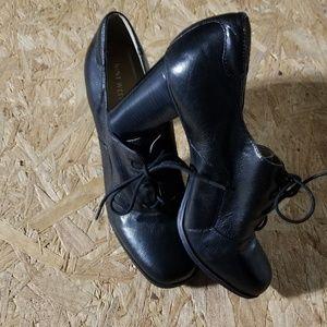 Nine West Leather Shoes. Black. Size 11M